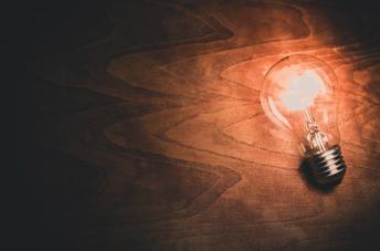 豆電池は豆電球をどれだけ長く点灯させられるか?実験してみた!